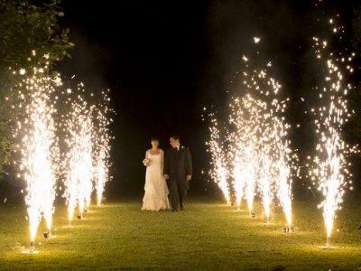 entrada novios fuego frío bodas dueventos